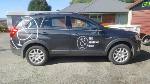 Geraldine_Signs-The_Running_Duck-Car