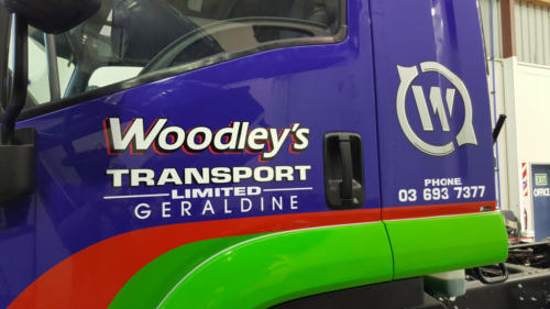 Geraldine_Signs-Woodleys-Truck2